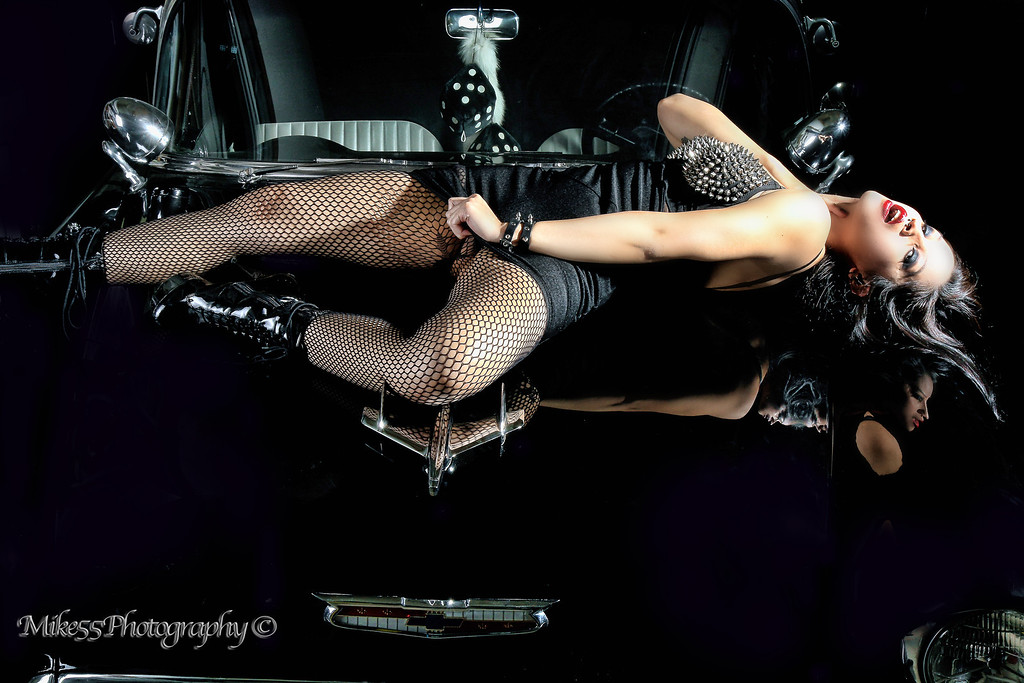 http://mike55photography.smugmug.com/Photography/Elena-Bathory-7152012/i-H4BZBJ8/0/XL/IMG0703a-XL.jpg